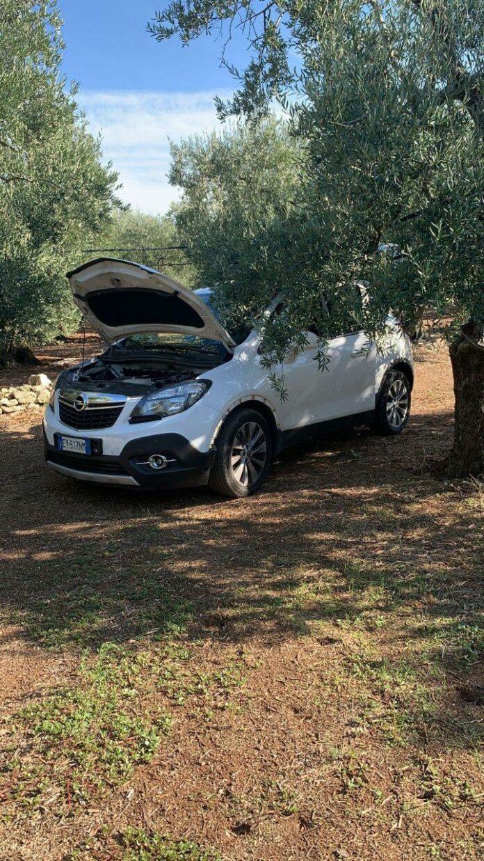 Spettacolare furto di auto