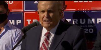 Un delirante Giuliani
