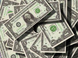 Dollaro: valuta precipita