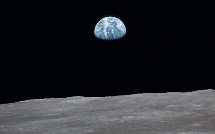 Bandiera cinese sulla Luna