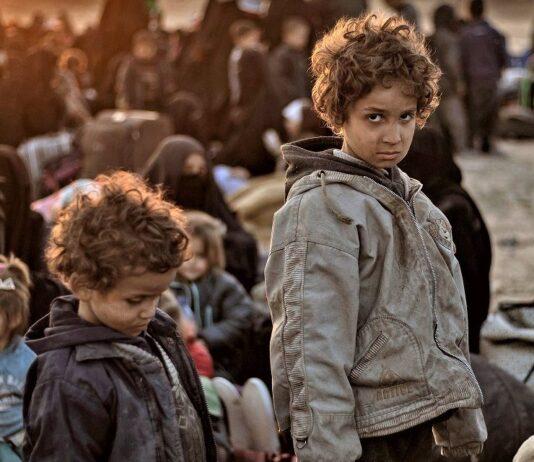 Fëmijët shqiptarë jetim