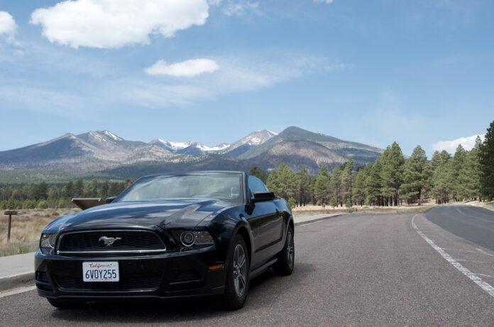 ford mustang elettrica ipotesi 2028
