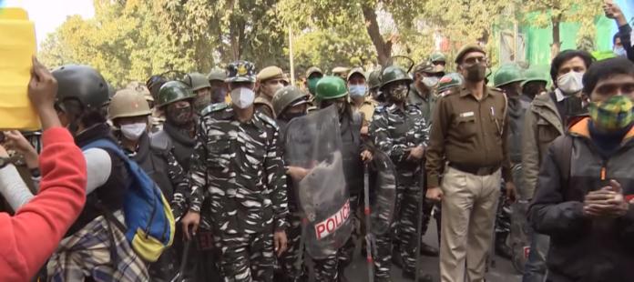 In India proseguono le proteste, gli USA chiedono a Modi di intervenire