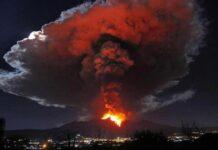 Spettacolare eruzione dell'Etna