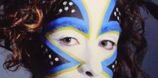 Tribes, volto dipinto, mostra fotografica a Parma, foto e articolo di Loredana Carena