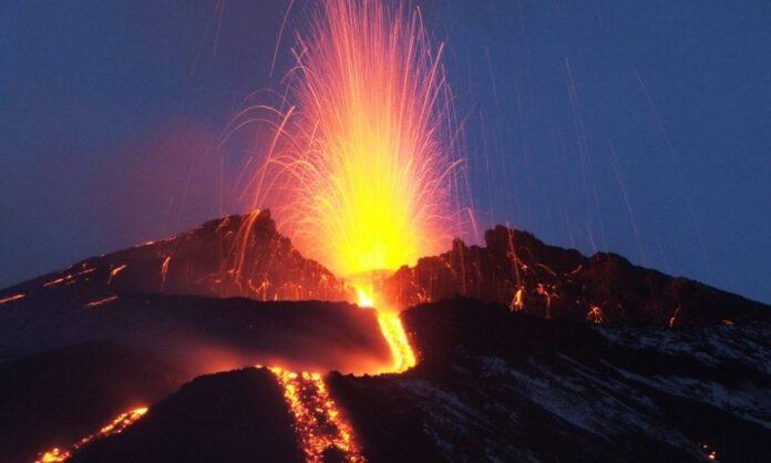 Ennesima eruzione dell'Etna