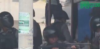 Cittadini del Myanmar fuggono in Thailandia dopo raid aerei