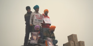 India, agricoltori continuano a protestare contro Modi