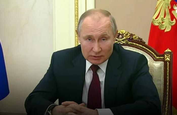 Putin replica a Biden