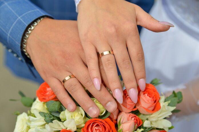 Il significato degli anelli alle dita