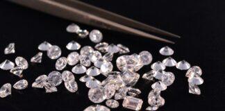gioielli con diamanti mese di aprile