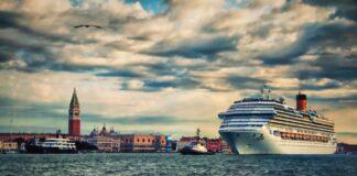 Navi da crociera: Venezia vieta l'ingresso nella città