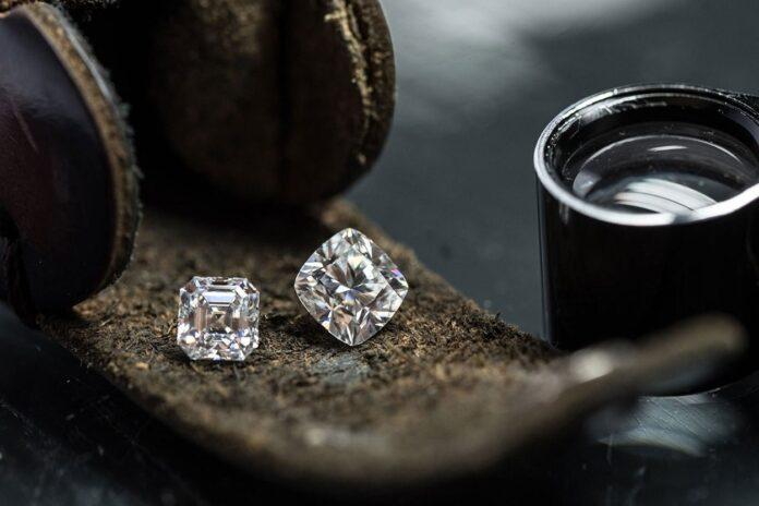 Gioielli Vrai con diamanti artificiali