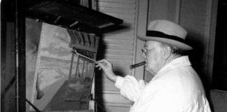 Winston Churchill mentre dipinge al cavalletto (articolo di Loredana Carena #loredanacarena @artecarenalo)