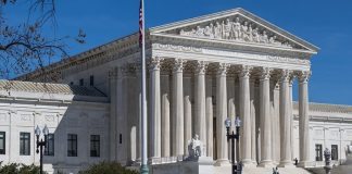 Corte Suprema statunitense dà ragione ai transgender