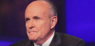 Giuliani: Corte di New York sospende licenza di avvocato