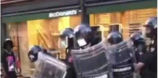 Carabinieri: video di violenza contro dei giovani di colore