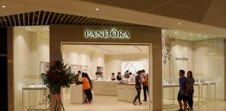 Pandora charm fenicottero