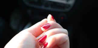 Ricostruzione unghie gel o acrilico