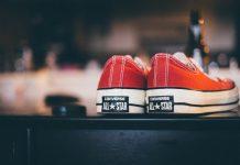 Pantaloni per sneakers