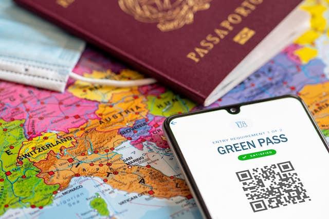 Lo spettro del green pass