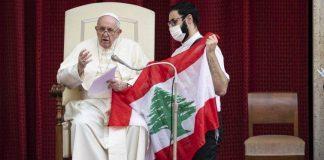 La carezza del Papa