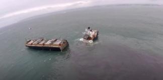 Nave si spezza in due a largo delle coste del Giappone