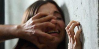Violenta una donna