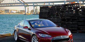 Stati Uniti: indagine su Tesla Autopilot