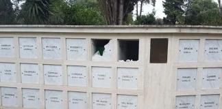 Profanato il cimitero della Rsi