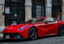 Elkann esclude Ferrari a guida autonoma
