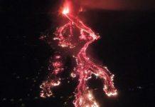 Eruzione Vulcano Cumbre Vieja: la lava raggiunge il mare (Video Spettacolari)