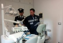 Falsi dentisti a Napoli