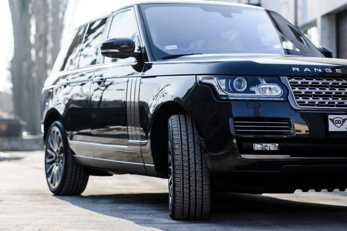 La Range Rover Sport SVR 2023: ultimi rumors
