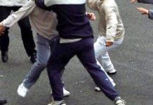 Fermata gang giovanile